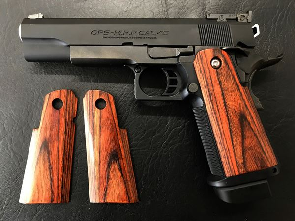 Wood grip Hi-CAPA 5.1 / 4.3 (Smooth / Brown)