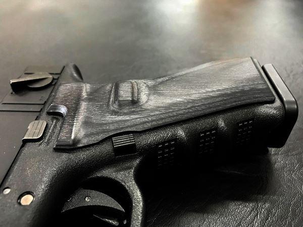 Wood Grip Glock 17 / 18C [Smooth / Black]