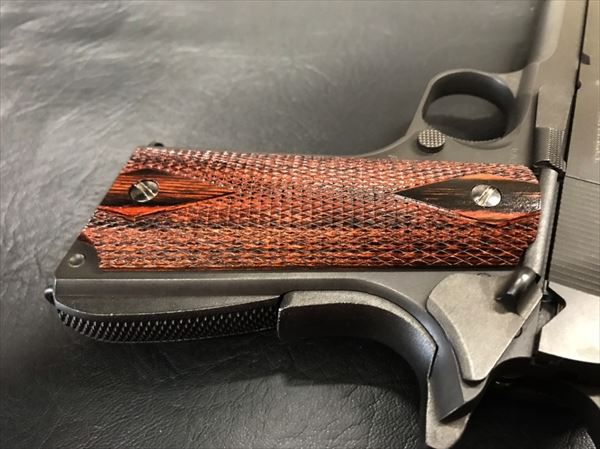Wood Grip Government / 45 AUTO [Diamond Checker / Brown]