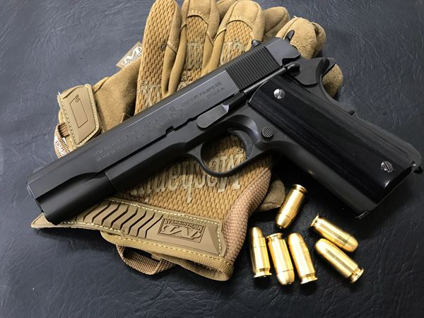 Wood Grip Government / 45 AUTO [Smooth / Black]