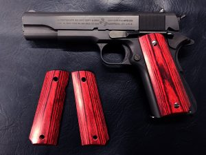 Wood Grip Government / 45 AUTO (Smooth / Red) [AWG-402]