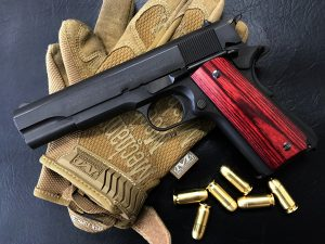 Wood Grip Government / 45 AUTO [Smooth / Red]
