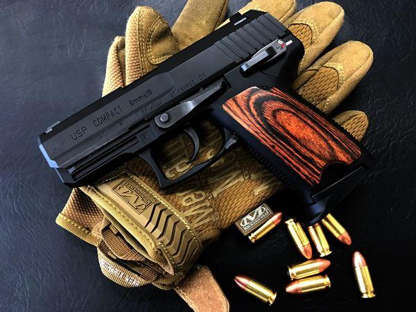 Wood Grip USP Compact [Smooth / Brown]